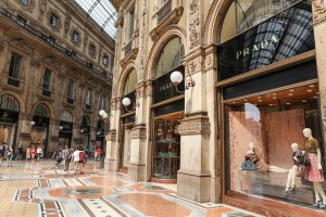 Milan shopping sm