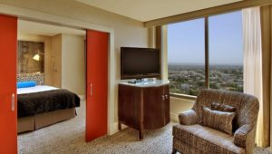 kimpton-hotel-palomar-los-angeles-beverly-hills-suite-living-room-8b259252